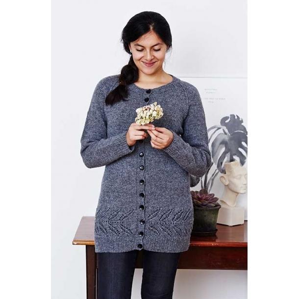 Celeste Lang Cardigan med bladbort - strikkekit