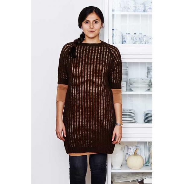 Eirine Kjole med hulmønster - strikkekit