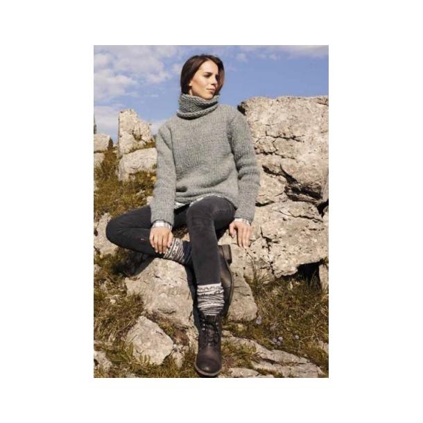 d36bd1db4a4 Hel enkel rullekrave sweater strikket på tykke pinde