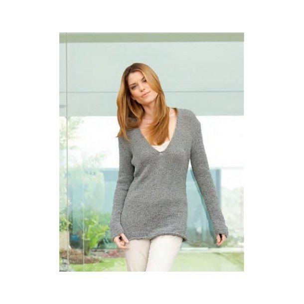 Glatstrikket sweater med dyb V-hals - strikkeopskrift fås også som gratis download