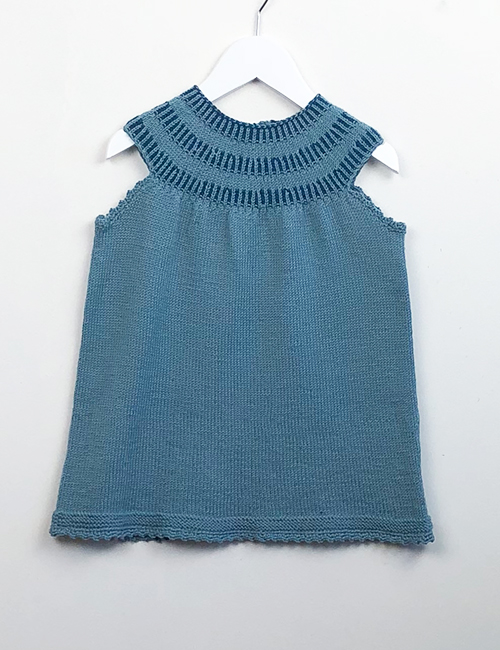 cabe3c452 Børnekjoler strikkeopskrifter til piger fra 2-12 år